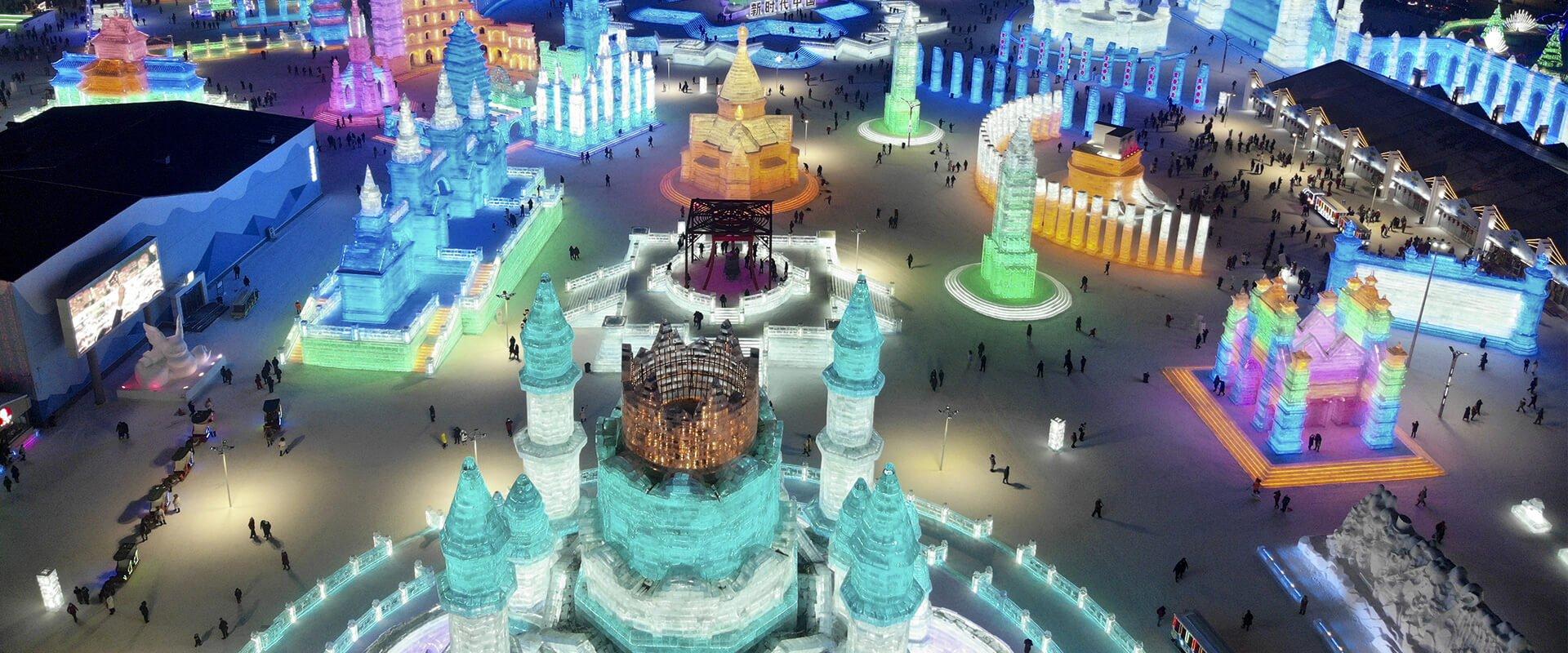 El festival de esculturas de hielo y nieve más grande del mundo ya está abierto al público